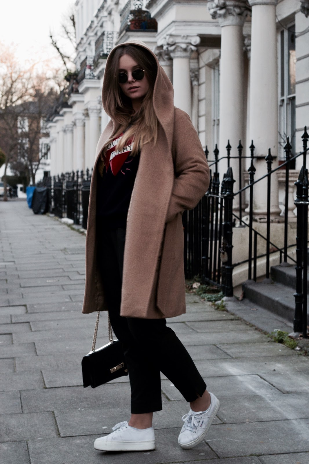 blogger, blog, blogpost, fashion, dominique candido, outfit, deau, london, city trip, max mara, h&m, ray ban, valentino, tommy hilfiger, superga,